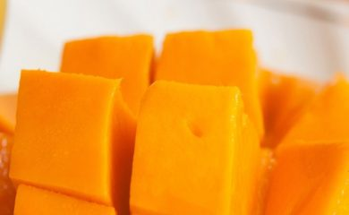 Dürfen-Hunde-Mango-essen